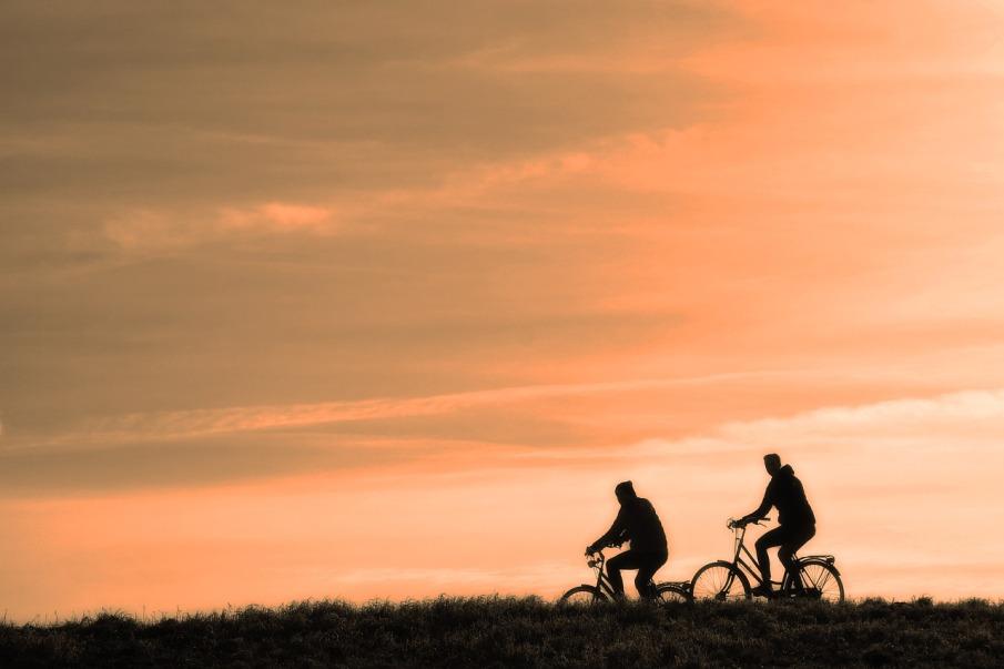 cyclist-3202481_1280